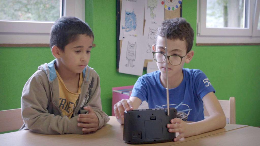 Ameer et Mohammed écoutent Caravane FM